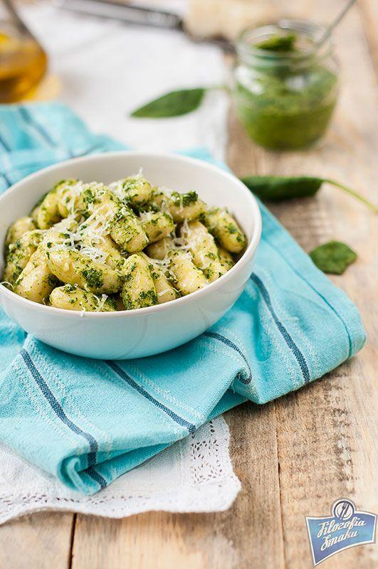 Gnocchi z pesto szpinakowym/Gnocchi with spinach pesto