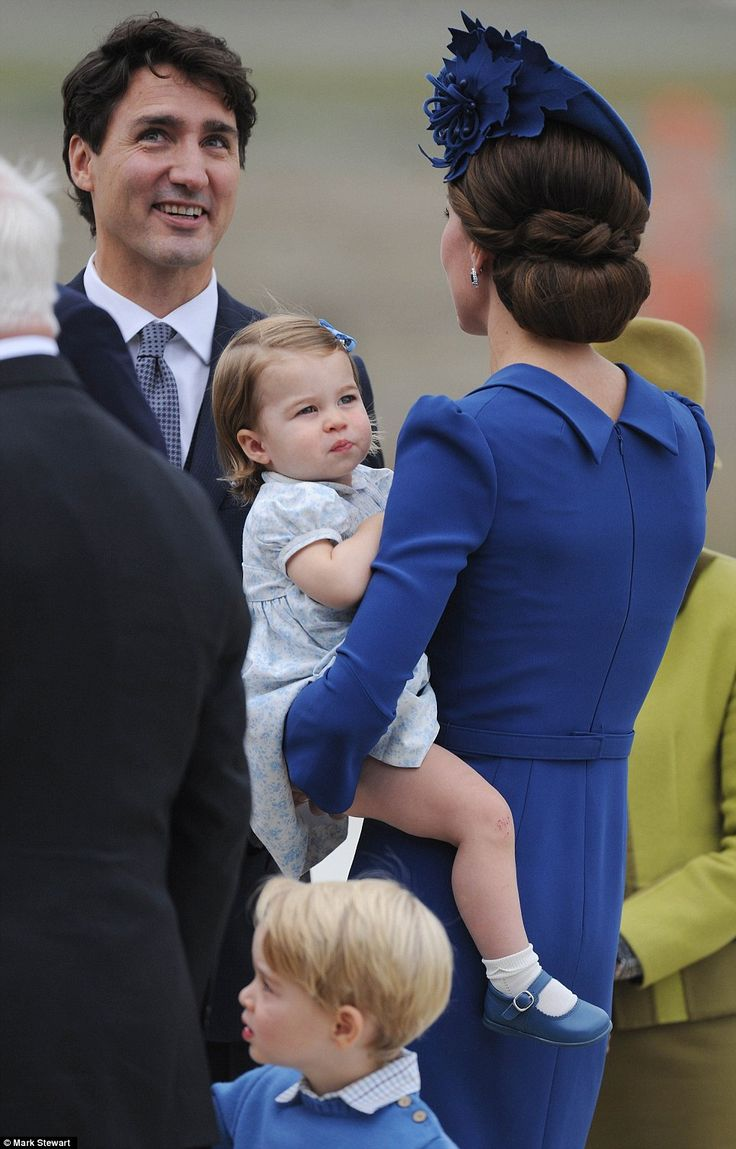 Catherine, Duchess of Cambridge and Princess Charlotte of Cambridge arrive at the Victoria Airport on September 24, 2016 in Victoria, Canada.