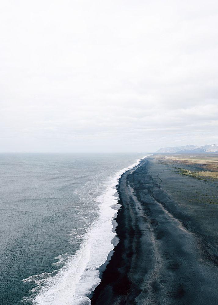 "Dyrhólaey, Iceland ""Plage de sable noir"