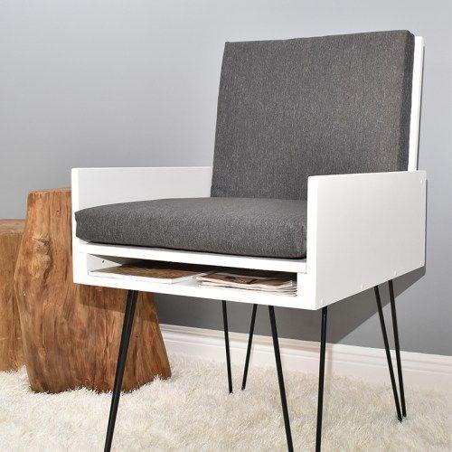 Easy DIY Chair mit verstecktem Fach und Bücherablage (PDF Plan