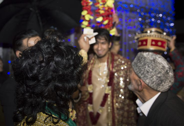 Gharoli •Night before baraat, family holds a Gharoli event where the groom is dressed as a Bride groom (Mahraj) •Mother ties a sparkly scarf around his head, sisters take him for a walk while throwing flowers on his head, and holding a water pot (khara) on their head