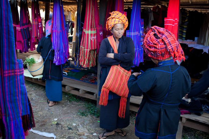 The Pa'O people are the second largest ethnic group in Shan State. They also live in Kayin State, Kayah State, Mon State and Bago Division. They compose two distinct groups: The Lowland Pa'O, based in Thaton, and The Highland Pa'O, based in Taunggyi. They are very proud of their unique traditional dress. #PaO #EnthicGroup #MyanmarPeople #Myanmar