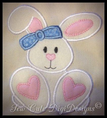 Bunny Applique Design                                                                                                                                                                                 Más