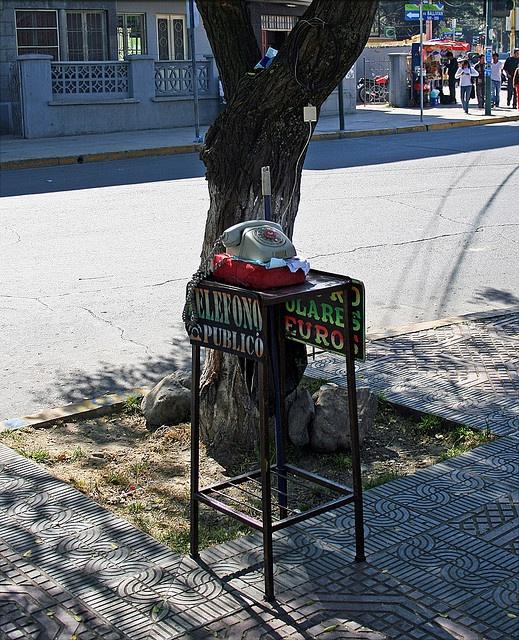 Teléfono Público, Cochabamba, Bolivia by svenwerk, via Flickr