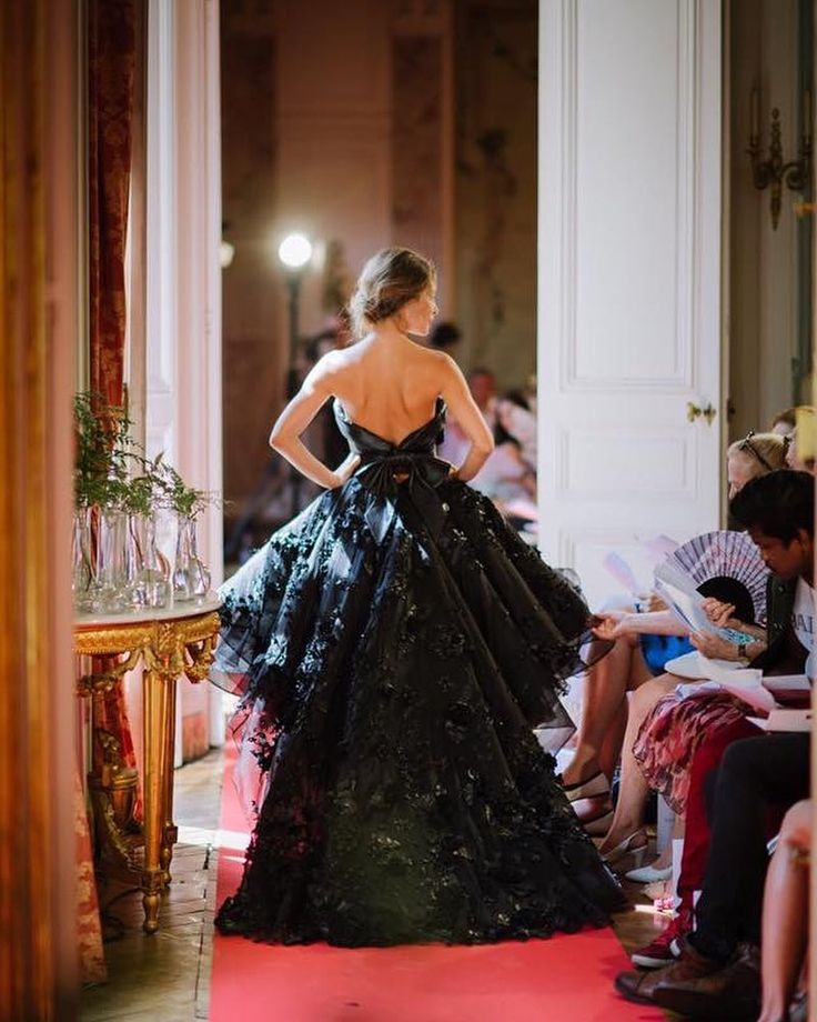 Fashion Show Bernard Depoorter  bernarddepoorterofficial #fashionshow #luxe #hautecouture #paris #robe #dress