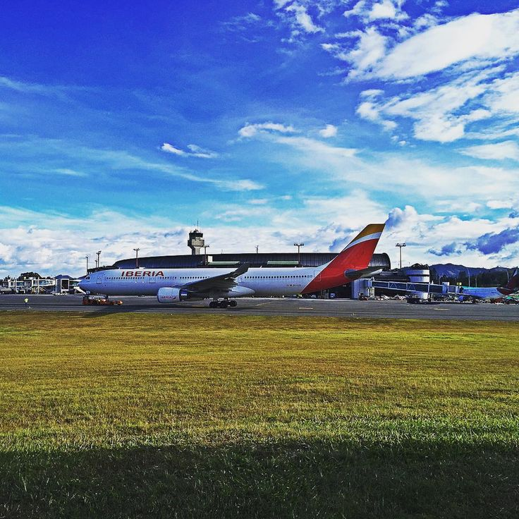 #air #airport #airbus #A330 #igdaily #igweekly #igmedellin #josemariacordoba #iberia