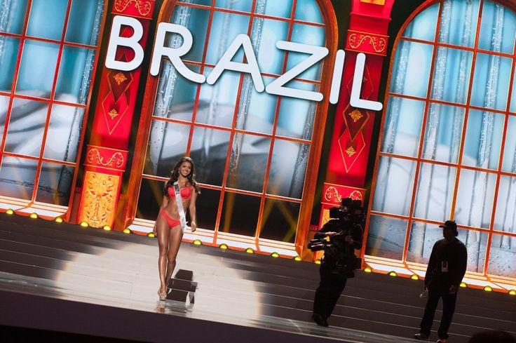 Fotos: brasileira faz bonito na preliminar do Miss Universo 2013