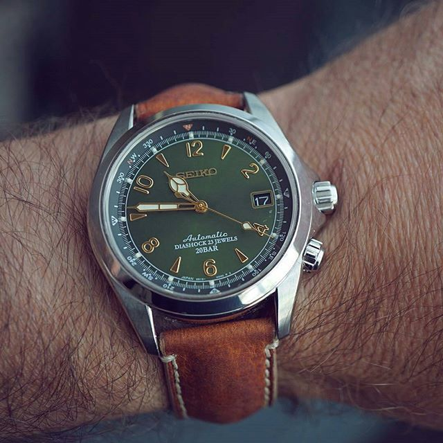 #mulpix  #Regram of @selenelion. The green dial of the  #Seiko SARB017 Alpinist…