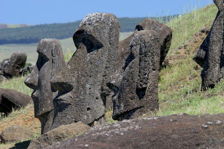 остров Пасхи Moai at Rano Raraku