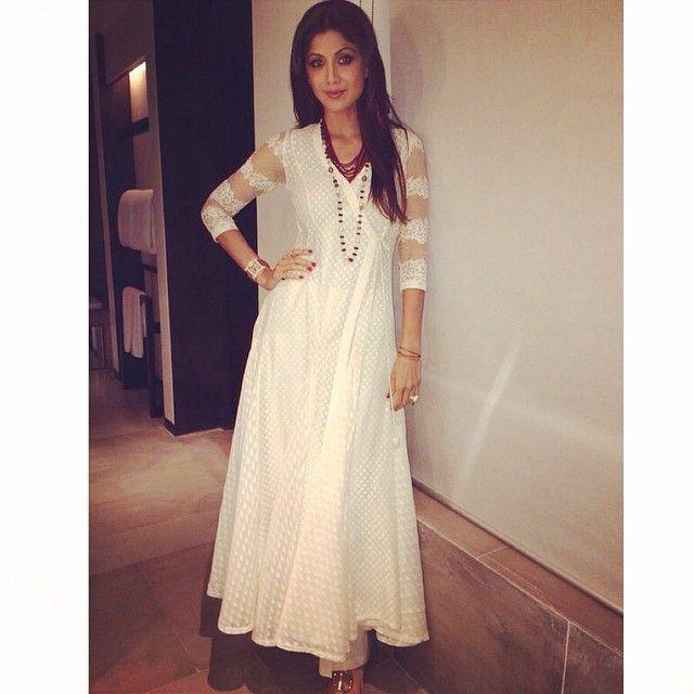 Shilpa Shetty Kundra looked gorgeous in Neeta Lulla angarkha style dress with palazzo pants. #neetalulla #czarinaofindianfashion #shilpashetty