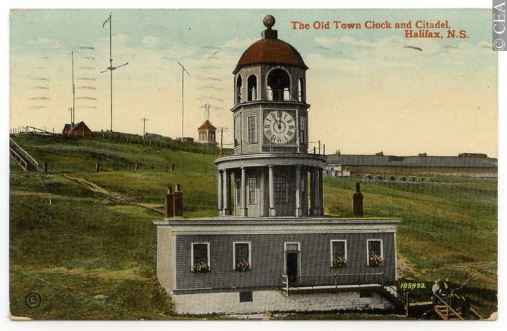 Postcard The Old Town Clock and Citadel, Halifax, N.S. CP665
