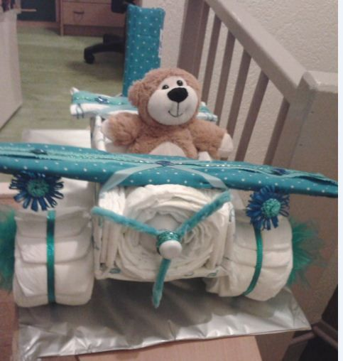 DIAPER CAKE / LUIERTAART    VLIEGTUIG - AIRPLAINE   babyshowerorganisatie@hotmail.com