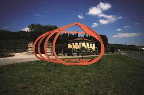 Alberto Burri, Grande ferro Celle, 1986 Acier peint, h 525 cm  Adagp, Paris 2012 - Fattoria di Celle - Collezione Gori, photo Carlo Fei