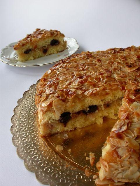torta di mandorle                    Torta di mandorle o anche torta delizia La ricetta è di mio fratello, quella originale prevede una co...