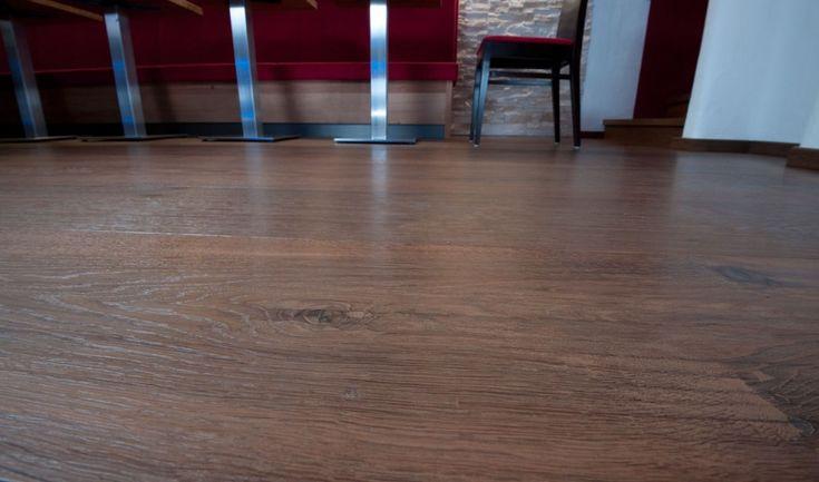Landhausdielen Wimmer | Holzart Eiche | gebürstet und geölt | Farbton Montalcino