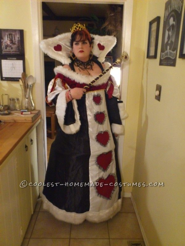 cool homemade plussize queen of hearts costume