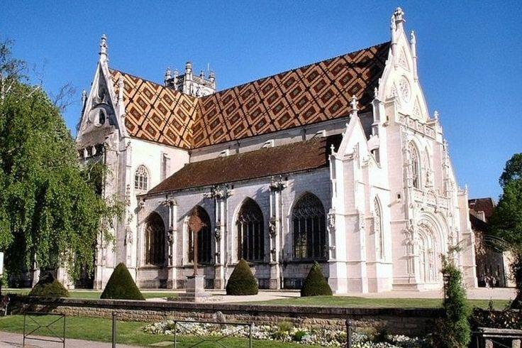 Église Saint-Nicolas-de-Tolentin de Brou à Bourg-en-Bresse, Ain : Les plus belles églises de France - Linternaute