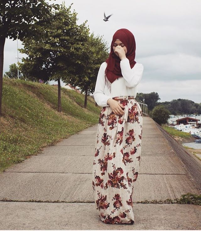 """8,070 Likes, 32 Comments - Where fashion meets modesty (@hijabmuslim) on Instagram: """"Follow the gorgeous @shanarabeauty ❤"""""""