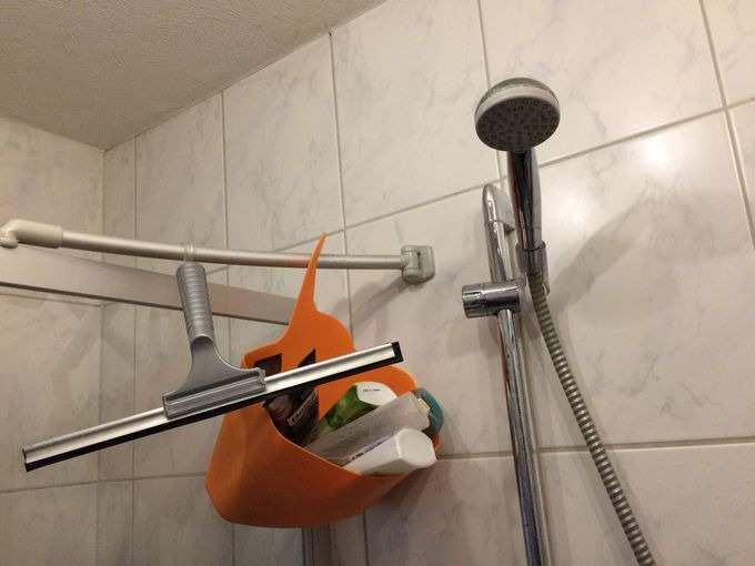 Dusche reinigen mit Hausmitteln klappt auch bei Schimmel