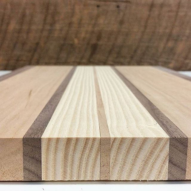 Ash is a beautiful wood when paired with walnut and cherry. The color o maple, but with a more interesting grain pattern.  #woodworking #woodwork #woodworker #diyproject #diy #doityourself #mwawoodworks #handmade #kitchen #cuttingboard