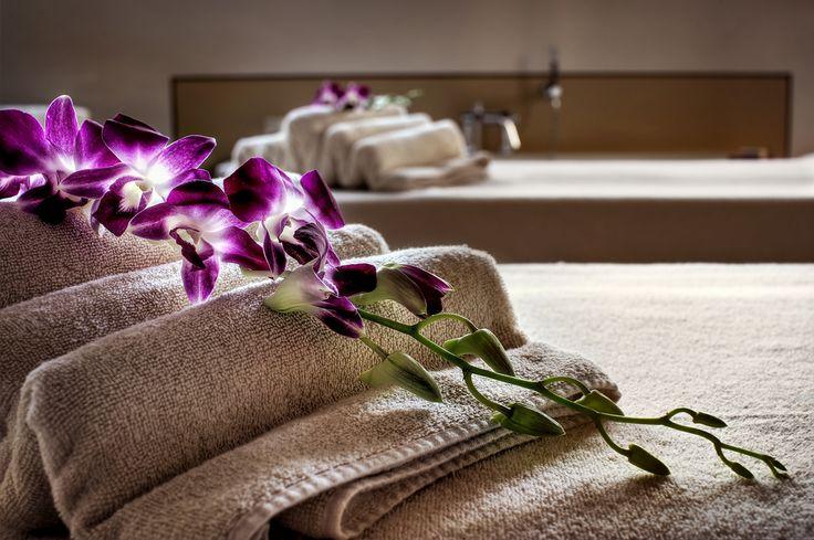 Luxury hotel in Florence bathroom details | da Luxury Hotel Il Salviatino Florence