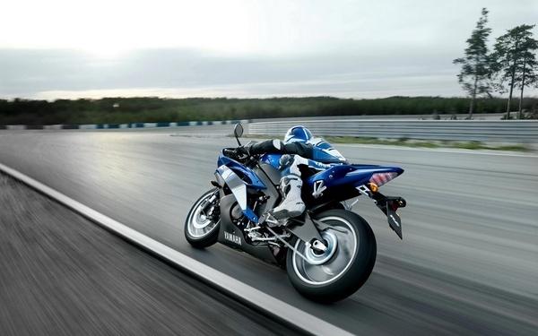 R6 Yamaha motorcycle