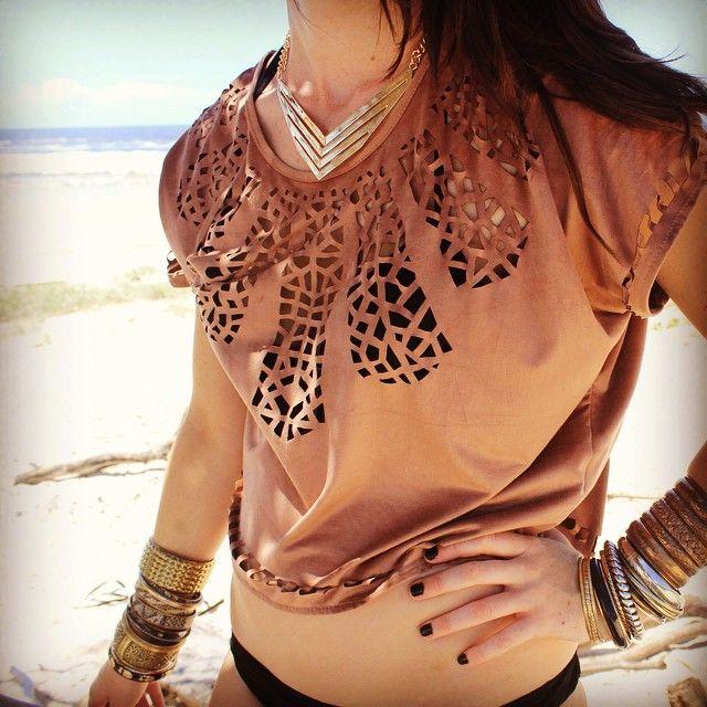 #chevron #gold #necklace #jewelleryofinstagram #beach #bebold #befierce #beachlife #layer #stack