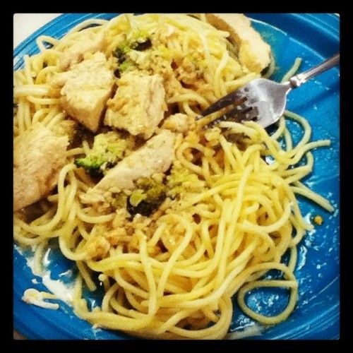 chicken & broccoli garlic scampi buttery pasta :)