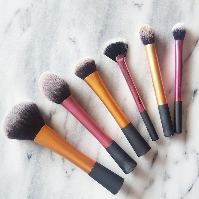 Have you tried the Real Techniques range? We love this pic by @Brontesbeautyspot!