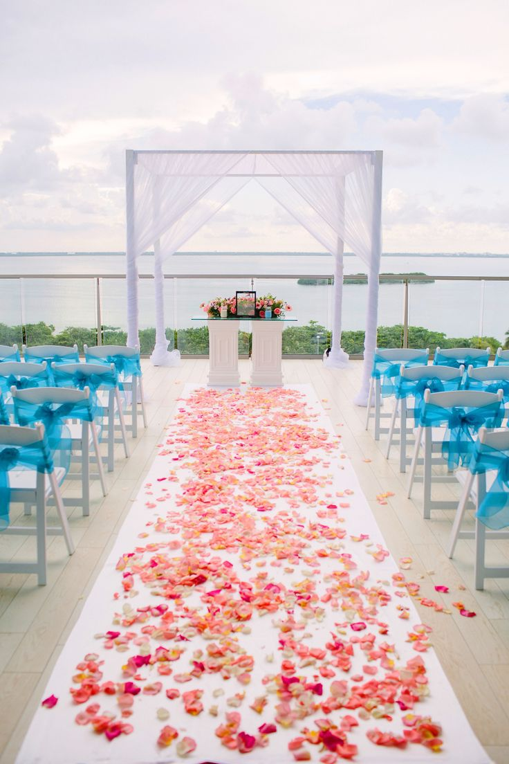Your wedding bags for a grand getaway today s destination wedding - Fun Filled Destination Wedding At Secrets The Vine Cancun