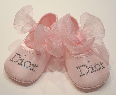 best friend's baby shower tomorrow. really excited (: got her some awesome stuff!