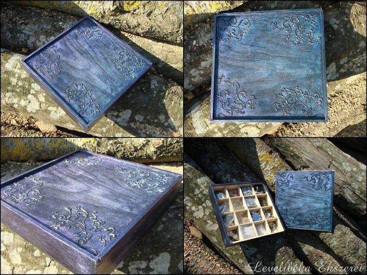 Egyik tároló dobozom. A Pentart blue blood fantázia nevű mázpasztáját használtam.