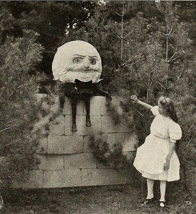 6 Vintage Halloween Costumes to Frighten and Confound – The Sea of Books
