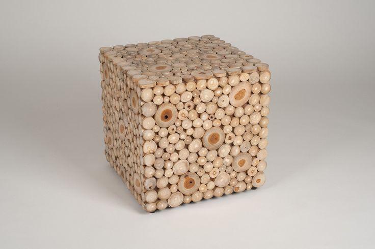 Stolik z drewna tekowego https://www.homify.pl/katalogi-inspiracji/7730/design-w-stylu-eko-10-najciekawszych-projektow