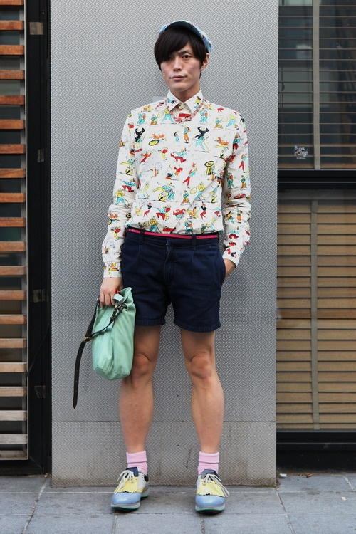 We loved this print when we first saw it on the runway last September and here it is (fromPrada's SS12 collection of course),on the street.  WGSN street shot, #PFW: Print Kitch, Ss12 Collection, Course, Wgsn Street, Prada S Ss12, Print Inspirations, Conversational Print
