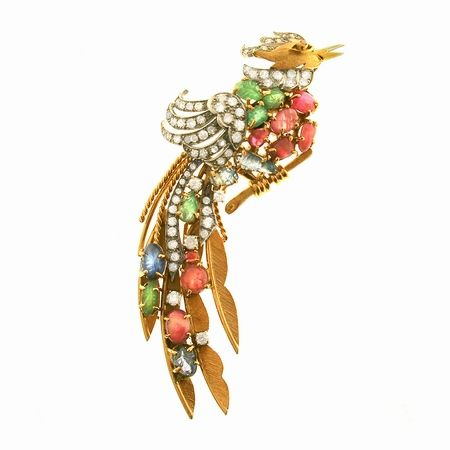 SPILLA ANIMALIER, ITALIA, ANNI SESSANTA oro giallo e bianco, diamanti, rubini, zaffiri e smeraldi #2 ASTA ONLINE Gioielli del Novecento Lotto n. 47 #auction #spilla #brooch #animalier #jewels #stone #diamonds #ruby #sapphire #bird #florence #luxury