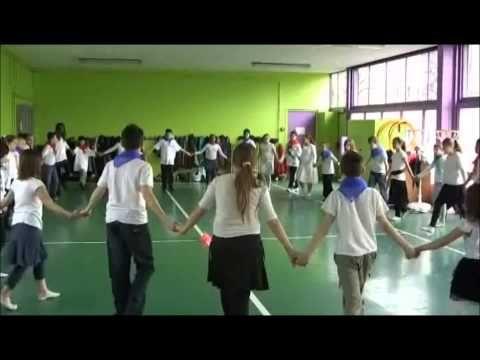 French folk dances - YouTube
