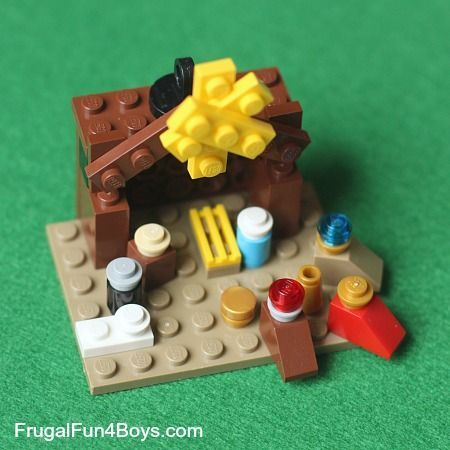 Lego Christmas Nativity-so cute! Josie would definitely be able to use this idea.