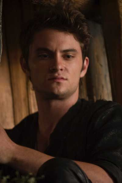 """shiloh fernandez-- LOVED him in this movie! """"Red Riding Hood"""""""