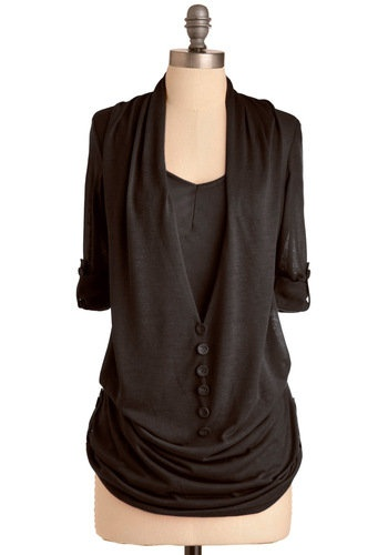 What's in Storm Top in Black