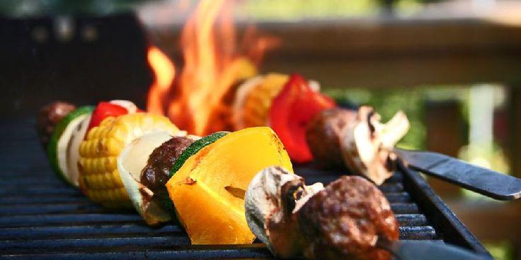 Perfekt grillspyd med kjøttboller og grønnsaker - Her er en oppskrift som gjør at grillspydene blir vellykket.