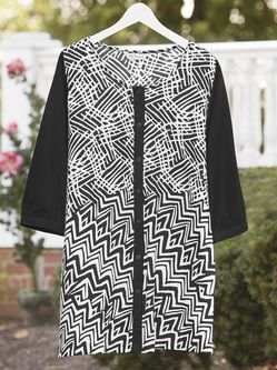 Plus Size Womens Clothing - Infinity Geometric Print Knit Tunic