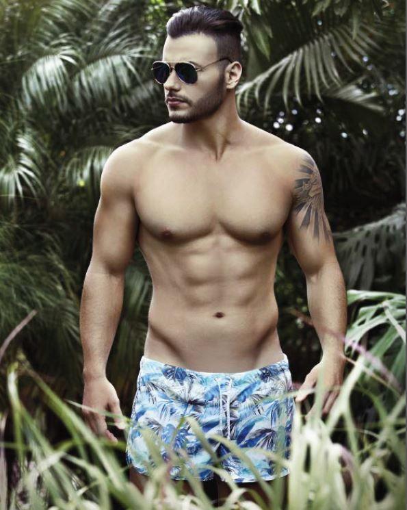 35 best les maillots de bains hommes images on pinterest male swimwear swimsuit and bathing suits. Black Bedroom Furniture Sets. Home Design Ideas