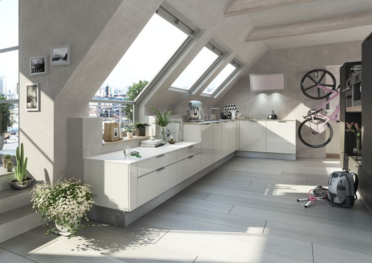 Dachzimmer mit holzdecken verkleidung gemütlich gestalten metallkronleuchter böken studio pinterest holzdecke dachzimmer und verkleidung