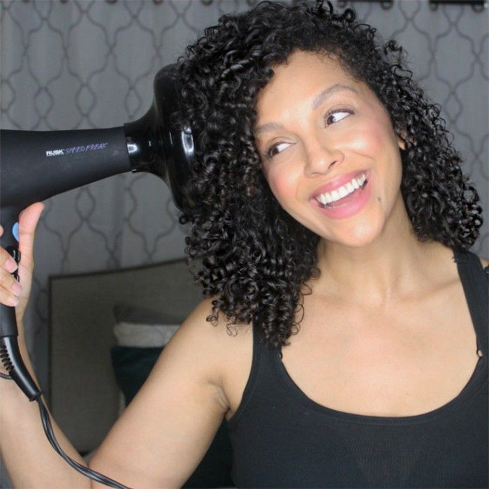 12 Tips To Diffuse Curly Hair Without The Frizz Hair Diffuser Curly Hair Styles Naturally Hair Frizz