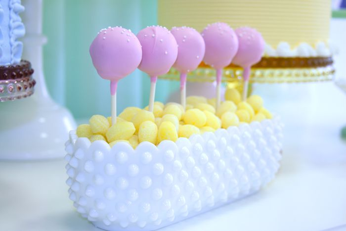 Cute way to display cake pops!