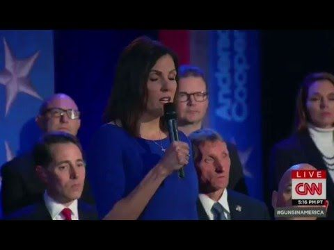 "Chris Kyle's Widow Takes on Obama At Gun Control Town Hall: ""I Have The Right To Protect Myself"" 