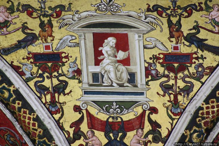 Библиотека Пикколомини. Гротески — деталь потолка библиотеки Сиенского собора