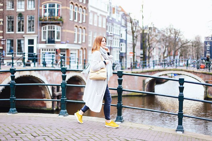 http://whoismocca Nike Roshe Sneaker, Winteroutfit, Amsterdam, Chanel Double Sided bag, Oversize
