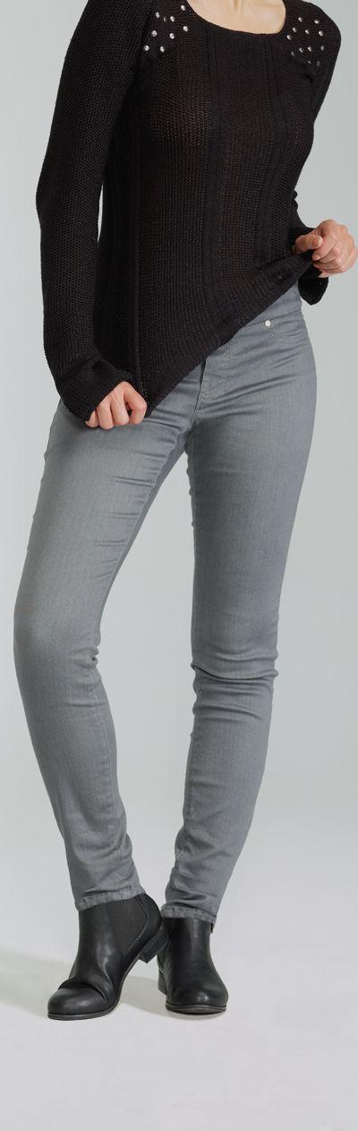 The Comfort Legging / Le Legging Confort  #ReitmansJeans #Jeans #Grey #Gray #Gris #BlueJeans #Style #legging